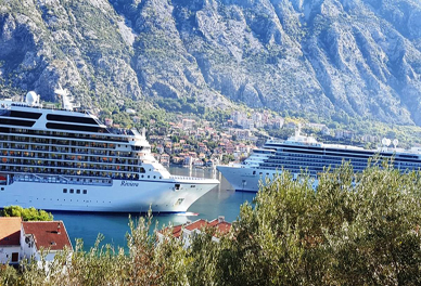 Port of Kotor ships